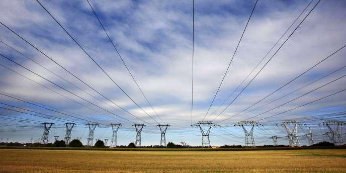 La Commission de régulation de l'énergie a estimé que les prix de l'électricité devraient croître de 30 % entre 2012 et 2017 afin de couvrir les coûts croissants d'EDF.