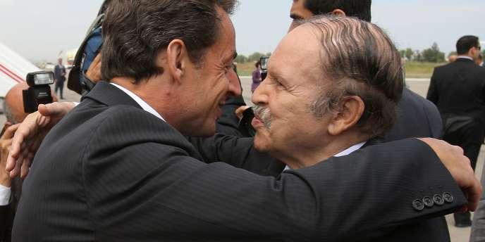 En juillet 2007, Abdelaziz Bouteflika recevait Nicolas Sarkozy à Alger.