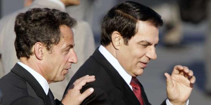 Les présidents français et tunisien, MM. Sarkozy et  Ben Ali, en juillet 2007 à Tunis.