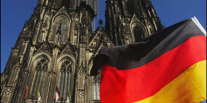 L'Allemagne a prévu de retarder l'âge de la retraite à 67 ans et s'efforce d'attirer de plus en plus d'immigrés, notamment des travailleurs qualifiés comme des ingénieurs, des informaticiens ou des infirmiers.