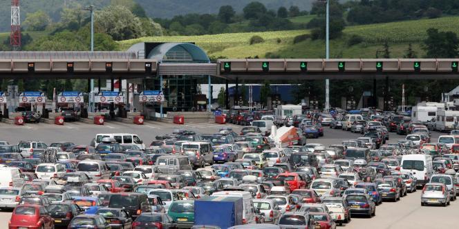 Le péage de Vienne sur l'autoroute A7, en juillet 2007.