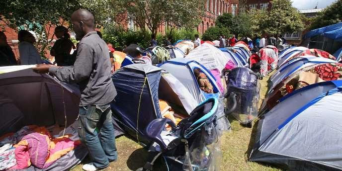 La métropole lilloise est le théâtre régulier de grèves de la faim chez les sans-papiers. Ici, sur un campement, en 2007, une quarantaine d'entre eux demandait leur régularisation.
