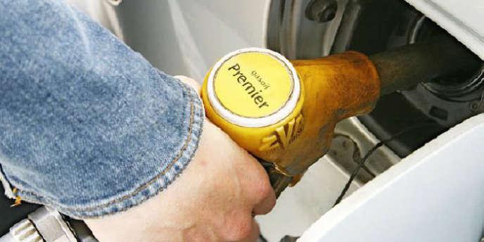 Le litre d'essence a encore augmenté. Toutefois, pour plusieurs experts, le prix de l'essence n'augmente pas, ou alors marginalement.