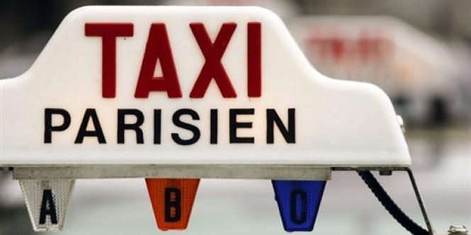 Il y a aujourd'hui de l'ordre de 17 500 taxis dans Paris ; il y en avait 14 00 en 1992 et plus de 25 000 en 1925.