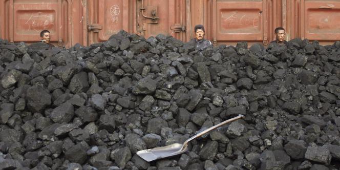 Après l'industrie du pétrole, c'est au tour du secteur du charbon d'être pris dans la tourmente de la campagne anti-corruption menée par le président Xi Jinping.