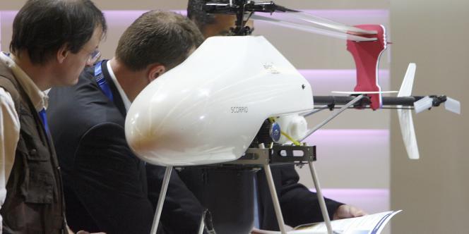 Un drone sur le salon Milipol.
