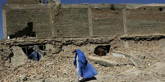 La police afghane a annoncé mercredi 17 octobre l'arrestation de quatre personnes soupçonnées d'être impliquées dans la décapitation d'une jeune femme qui refusait de se prostituer défiant ainsi sa belle-famille.