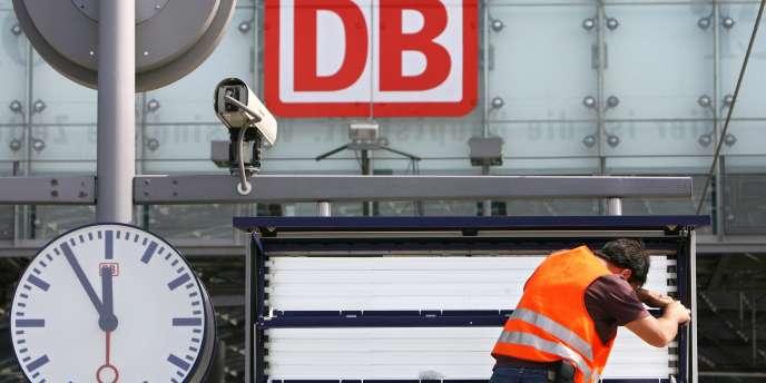 La compagnie ferroviaire allemande Deutsche Bahn a annoncé qu'elle allait porter plainte contre plusieurs compagnies aériennes, dont Air France et Lufthansa, qu'elle accuse d'entente sur les tarifs du fret aérien au détriment de sa filiale fret.