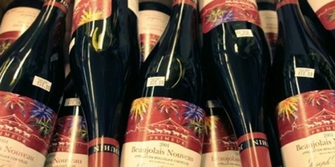 Des bouteilles de beaujolais nouveau dans les rayons d'un magasin du Michigan, aux Etats-Unis.