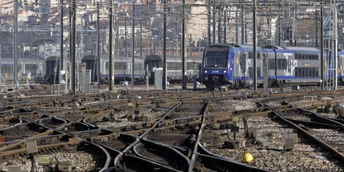 La France compte 50 000 kilomètres de voies ferrées.