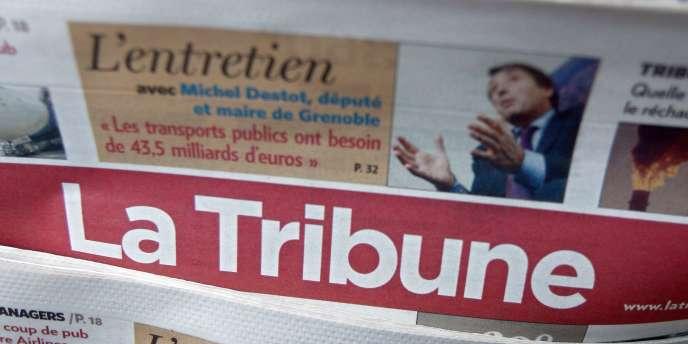 Photographie réalisée  le 5 novembre 2007 à Paris dans un kiosque d'exemplaires du journal