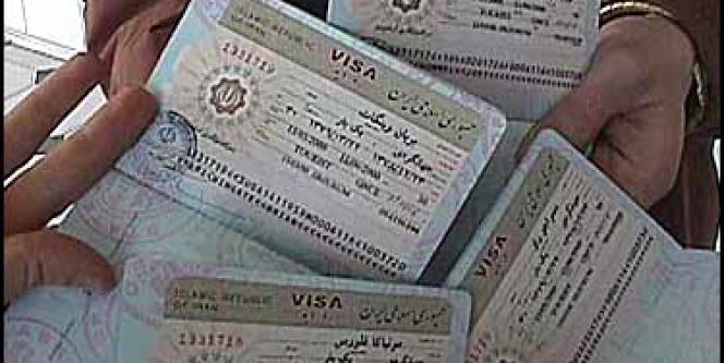 Des visas de circulation pourraient être octroyés pour des durées plus longues à certains artistes, chercheurs ou universitaires africains.