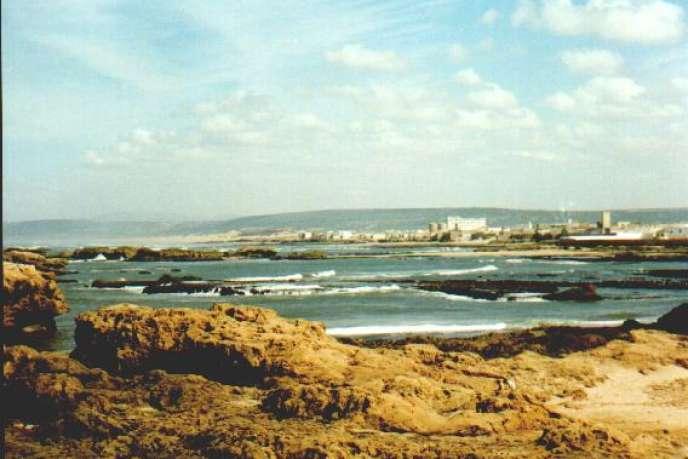 Sur la côte atlantique du Maroc, Essaouira reste fidèle à son histoire et accueille fêtes et festivals.