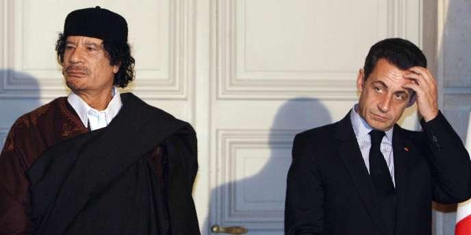 Mouammar Kadhafi et Nicolas Sarkozy à l'Elysée, le 10 décembre 2007.