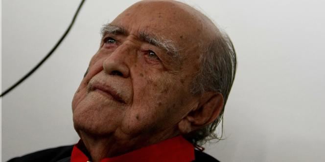 L'architecte, qui aurait eu 105 ans le 15 décembre, était hospitalisé depuis le 2 novembre en raison de complications rénales et d'hémorragies intestinales. L'hôpital Samaritano avait indiqué mercredi que son état s'était aggravé en raison d'une infection respiratoire.