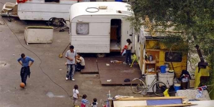 Un camp de Roms de Roumanie à Nantes en septembre 2007.