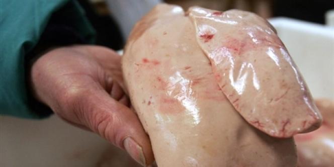 Après la viande de cheval, c'est au tour du foie gras d'être frappé par un scandale alimentaire.