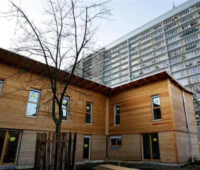 A Nancy, en 2007, des logements à haute qualité environnementale (HOE) ont été construits en structure de bois en remplacement d'une tour détruite.