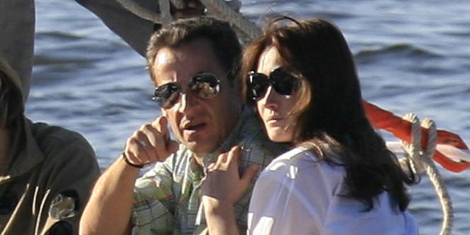 Nicolas Sarkozy et Carla Bruni en croisière sur le Nil, le 26 décembre 2007.