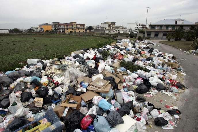 Naples envahie par les déchets, le 4 janvier 2008.