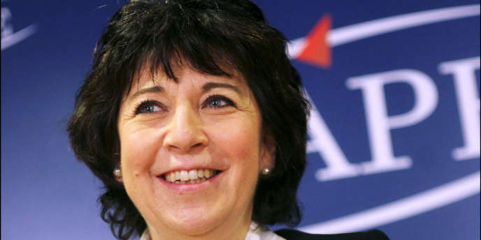 Corinne Lepage, l'ancienne ministre de l'environnement, s'est vue confier - en novembre 2007 - une mission de réflexion sur la gouvernance écologique.
