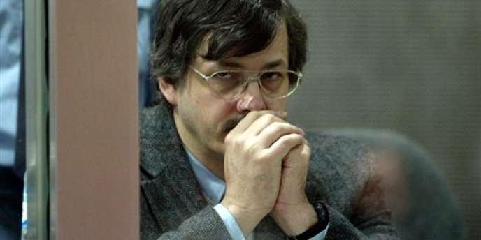 Photo du pédophile Marc Dutroux, le 7 juin 2004, condamné à la réclusion criminelle à perpétuité.