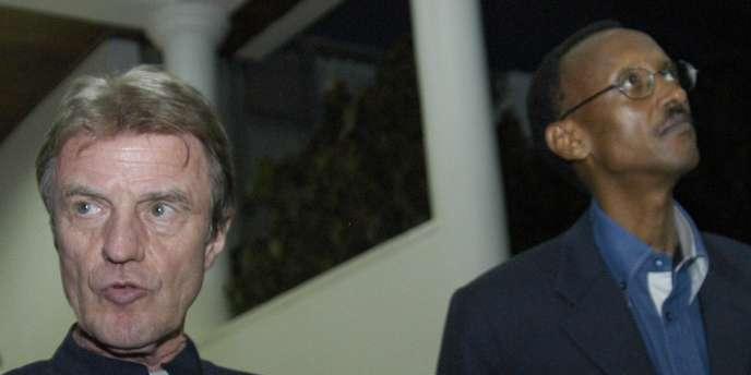 Bernard Kouchner, ici avec Paul Kagamé, le 26 janvier 2008, à Kigali, a travaillé depuis deux ans à la résolution du différend entre les deux pays.