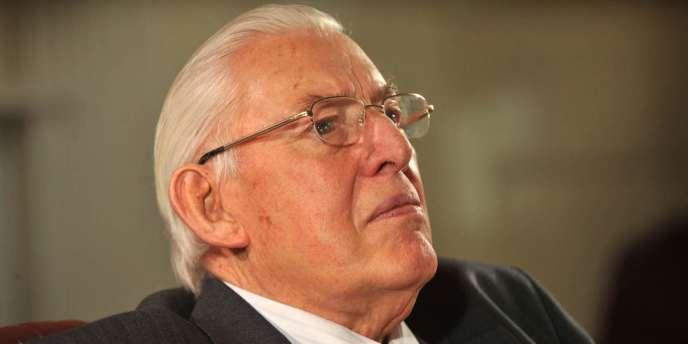 A 81 ans, le chef de file des unionistes protestants, Ian Paisley quitte le pouvoir – ici, le 4 mars 2008 à Belfast.
