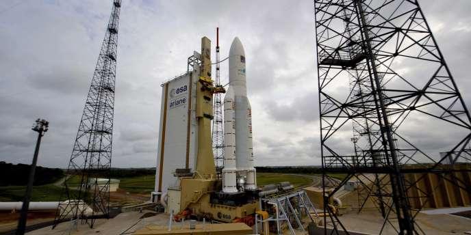 La fusée Ariane 5 ES-ATV avant son décollage, samedi 8 mars à Kourou en Guyane.