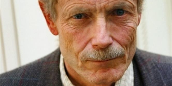 L'écrivain italien Erri De Luca à Paris, le 7 novembre 2002.