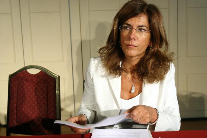 Emma Marcegaglia, directrice générale du groupe Marcegaglia, numéro un européen de la transformation de l'acier, prend la tête d'ENI (hydrocarbures et gaz). Elle a été, quatre ans durant, présidente de la Confindustria, le patronat italien.
