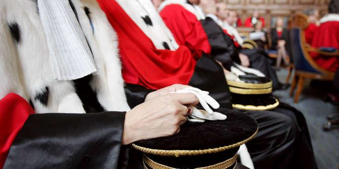 Des juges au palais de justice de Paris, en novembre 2004.
