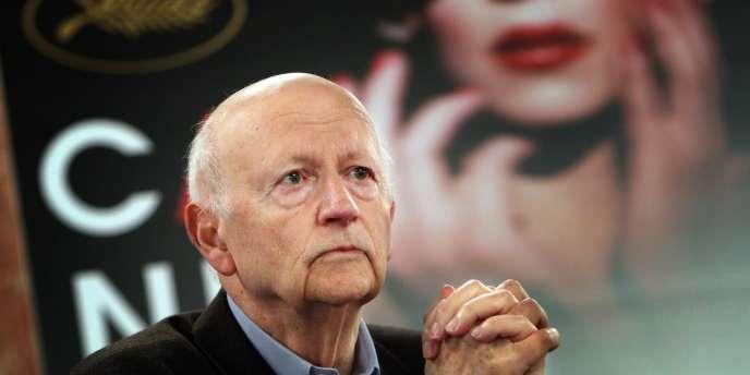 Le président du Festival du film de Cannes, Gilles Jacob, lors de la conférence de presse de la 61e édition à Paris, le 23 avril 2008.