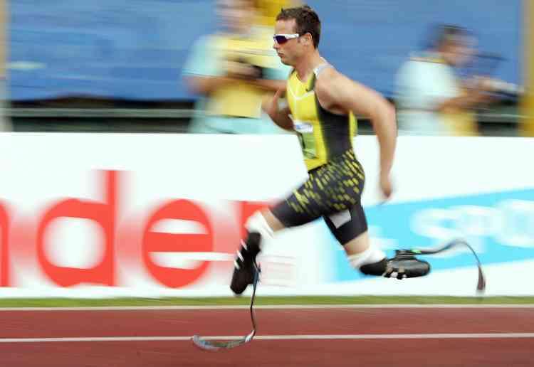 Le Sud-Africain Oscar Pistorius, amputé des deux jambes, a gagné son combat juridique en obtenant devant le Tribunal Arbitral du Sport l'autorisation de concourir face aux valides. Reste à remporter le combat sportif, en se qualifiant pour les JO de Pékin.