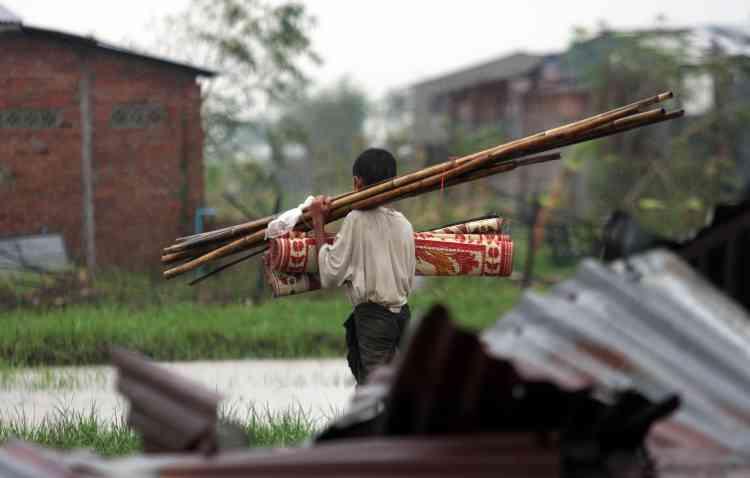 La Birmanie est en deuil national de trois jours depuis mardi pour les 133 600 morts et disparus du cyclone Nargis - plus de deux semaines après l'une des catastrophes naturelles les plus meurtrières de l'histoire récente.