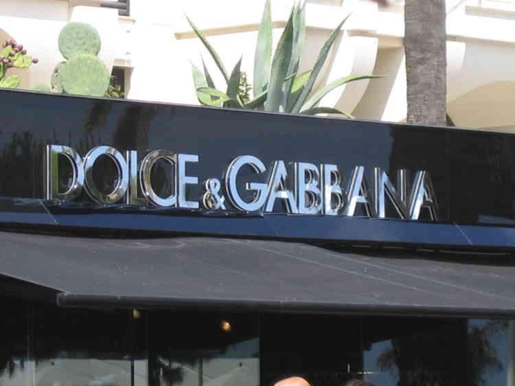 L'enseigne de la boutique Dolce&Gabbana sur la Croisette à Cannes.
