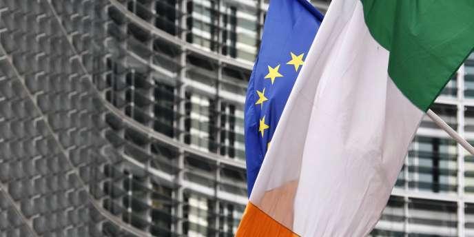Comme leurs homologues espagnoles, les banques irlandaises ont énormément souffert de l'éclatement de la  bulle immobilière de 2008.