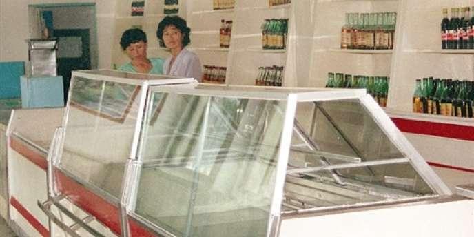 La Corée du Nord a déjà connu une grave famine à la fin des années 1990 (ici, les étals vides d'un magasin à Pyongyang en août 1997).