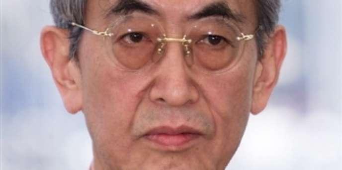 Portrait du cinéaste japonais Nagisa Oshima.