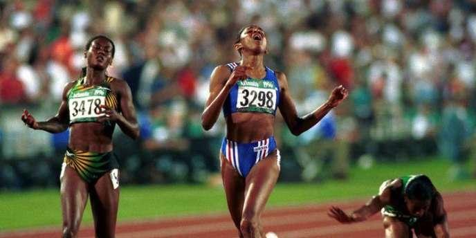 Marie-José Perec devance Merlene Ottey pour un fabuleux doublé 200 m-400 m lors des JO d'Atlanta en 1996.