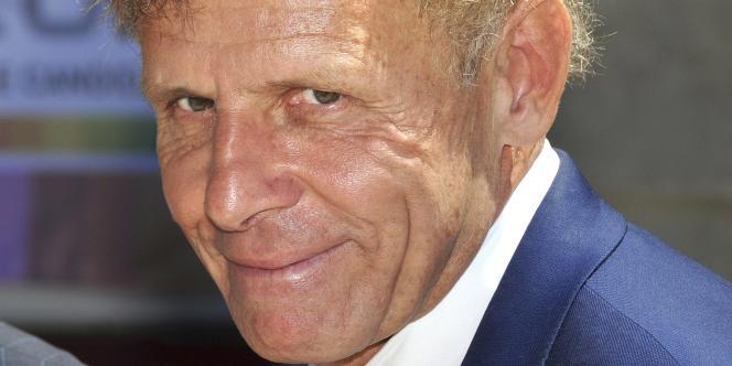 C'est la première fois que l'ex-présentateur vedette du journal télévisé de TF1, âgé de 64 ans, brigue un fauteuil à l'Académie française.