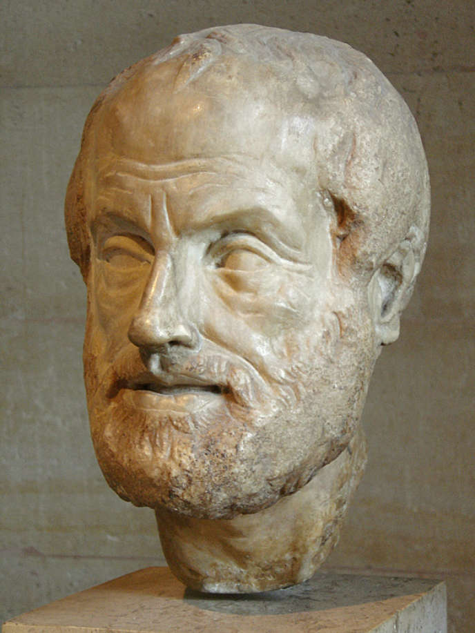Un buste en marbre du philosophe Aristote.