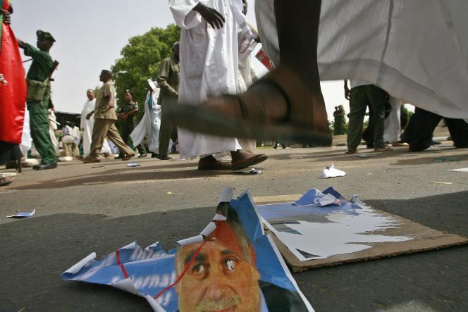 Manifestation de soutien au président soudanais, Omar Al-Bachir, le 17 juillet à Karthoum.
