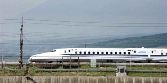 Le Shinkansen, le train à grande vitesse japonais, en mai 2007.