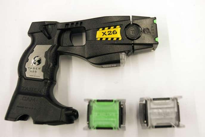 Le Taser X26 est utilisé par quelque 5 000 policiers, gendarmes et policiers municipaux.