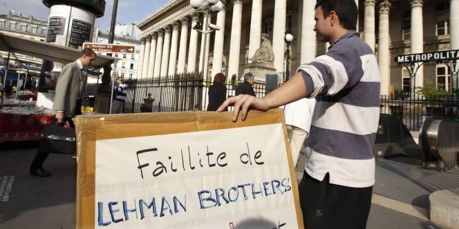 Un militant proche de l'économiste américain Lyndon LaRouche, partisan d'une réorganisation complète du système financier international. En France, son représentant est Jacques Cheminade, président du parti Solidarité et Progrès.