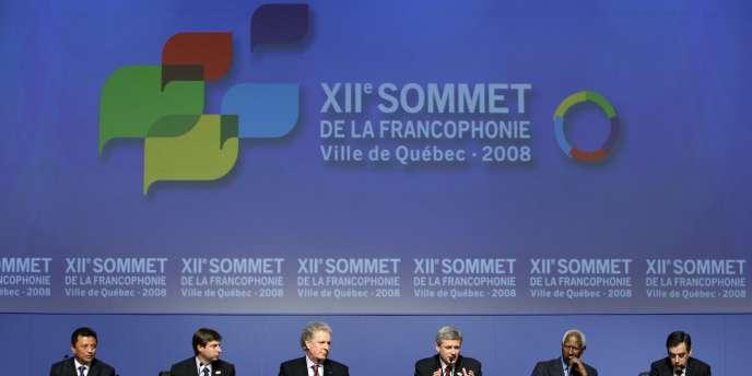 Une conférence de presse lors du 12e Sommet de la francophonie à Québec, le 19 octobre 2008.