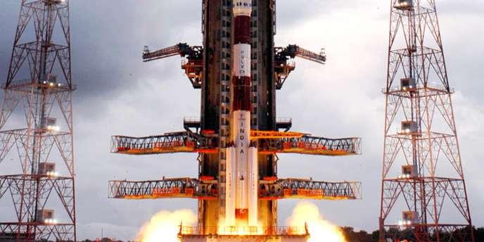 Le 22 octobre 2008, l'Inde envoie sa première mission inhabitée vers la Lune, une grande première pour le géant asiatique, qui aspire au statut de puissance spatiale.