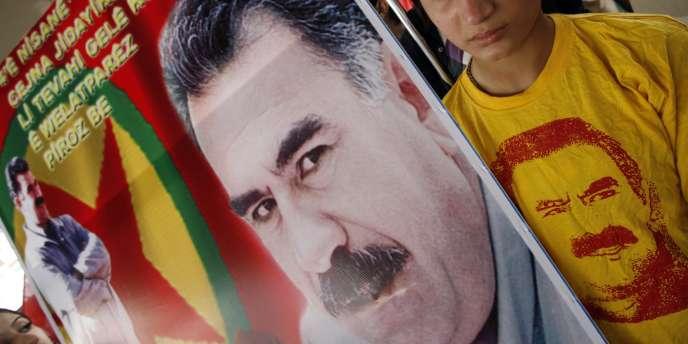 Un portrait du dirigeant historique du PKK, Abdullah Öcalan, emprisonné depuis 1999.