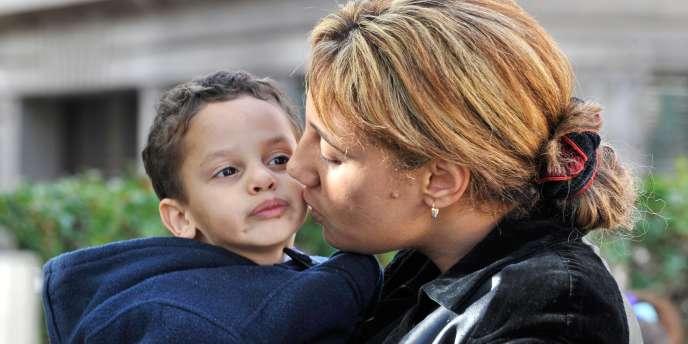 De 1968 à 2005, la part des enfants vivant avec un seul parent est passée de 6% à 16%.